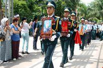 Trao tặng huân chương Bảo vệ Tổ quốc cho Đại tá Trần Quang Khải