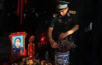 Tang lễ phi công Trần Quang Khải: Anh bắt đầu giấc ngủ sâu trong lòng đất mẹ...