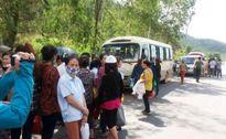 Vụ người dân chặn xe đưa đón công nhân: Bắt tạm giam 3 đối tượng