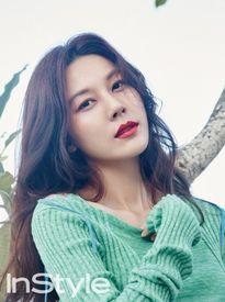'Người đẹp nói dối' Kim Ha Neul quyến rũ ở tuổi U40