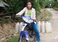 """Hà Tĩnh: Nước sạch """"treo"""" đỉnh núi, hàng trăm hộ dân khát"""