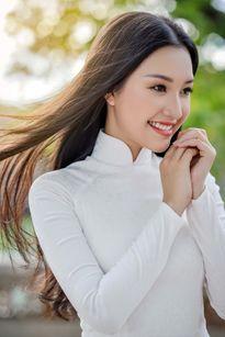 Vẻ đẹp thiên thần của cô gái Huế gây sốt ở Hoa hậu VN 2016