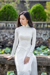 Ngỡ ngàng nhan sắc thí sinh Hoa hậu VN giống hệt vợ Duy Nhân
