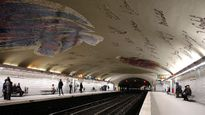 Đi xem nghệ thuật dưới ga tàu điện ngầm