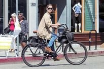 Xu hướng chụp ảnh với xe đạp hút giới trẻ đến bất ngờ