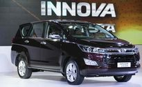 Chi tiết Toyota Innova Crysta phiên bản máy xăng hoàn toàn mới