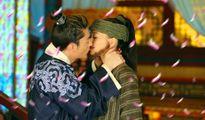 Những nụ hôn nóng bỏng này của Hoắc Kiến Hoa sẽ khiến Lâm Tâm Như phải ghen khi xem lại!