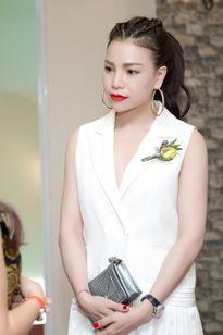 """Trà Ngọc Hằng diện cây hiệu Dior, gợi cảm """"thoáng mát"""" dự sự kiện"""