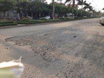 Đoạn đường vào Khu công nghiệp Khai Quang xuống cấp nghiêm trọng