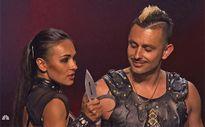 America's Got Talent: Giám khảo thót tim với màn phi dao ở bán kết