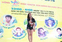Văn Quyến rạng rỡ bên hotgirl Quỳnh Nhi