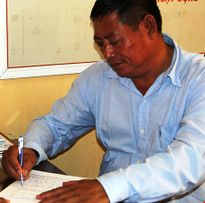 Thu giữ súng, hàng trăm viên đạn của trung tá Campuchia