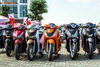 """Hàng trăm xe tay ga Honda SH """"rồng rắn"""" tại Hà Nội"""