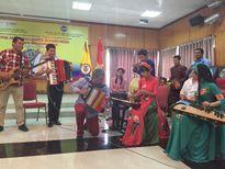 Nghệ sĩ accordion Alvaro Meza lưu diễn tại Hà Nội