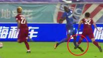 """Chấn thương ghê rợn: Demba Ba """"nhập hội"""" Ronaldo"""