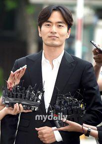 Lee Jin Wook phủ nhận cáo buộc cưỡng hiếp