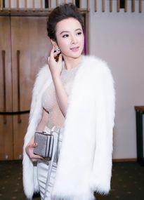 Mi Du - Angela Phương Trinh có chung điểm xấu không thể phẫu thuật trên gương mặt