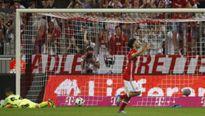 Man City thất bại ngay ra mắt của Pep Guardiola