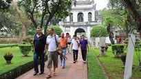 Hà Nội: Trục xuất người nước ngoài hoạt động du lịch 'chui'