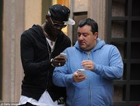 'Siêu cò' Mino Raiola sẽ đưa 'ngựa chứng' Balotelli về với thành Turin?