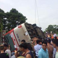 Tin tai nạn giao thông ngày 22/7:Ôtô đâm xe máy, 8 người thương vong