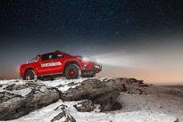 Vẻ đẹp kỳ vĩ của Toyota Hilux Arctic Trucks AT35 trên đất Nga