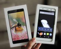 Mở hộp Surface Diana, smartphone giá rẻ tích hợp trợ lý ảo nhận diện tiếng Việt