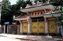 Ngôi chùa mang tên… Tây