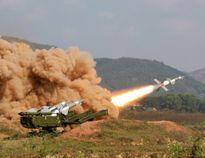 Triều Tiên tổ chức diễn tập tàu ngầm và máy bay chiến đấu
