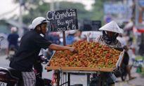Vì sao trái cây giá rẻ như bèo nhưng vẫn ế?