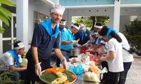 Đại sứ Hoa Kỳ tại Việt Nam khen nộm ngó sen: Ngon tuyệt!