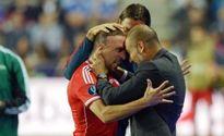 Vừa chuyển sang Man City, Guardiola đã bị Ribery 'đá xoáy'