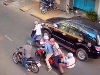Dàn cảnh va quệt xe để cướp ở TP.HCM