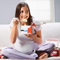 9 thực phẩm mẹ bầu nào cũng thèm muốn nhưng lại cực độc hại