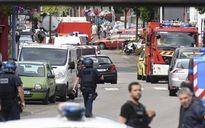 Nhà thờ Pháp bị tín đồ Hồi giáo cực đoan tấn công