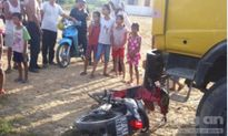 Nghệ An: Xe chở đất tông xe máy, cuốn thanh niên vào gầm