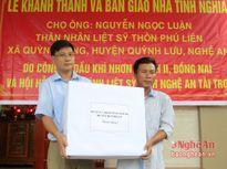 Bàn giao nhà tình nghĩa cho con liệt sỹ ở Quỳnh Lưu