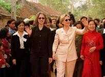 Bốn chuyến thăm Việt Nam và dấu ấn để lại của bà Hillary Clinton từ năm 2000 đến nay