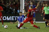 Fabregas xin lỗi vì pha 'chém đinh chặt sắt' với tân binh Liverpool