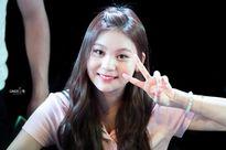 'Idol xấu nhất lịch sử' tự ti về nhan sắc, nấp đằng sau Irene