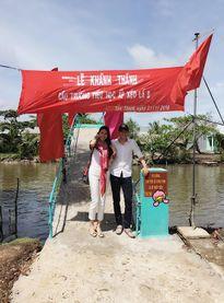 Hoa hậu Thu Thảo bênh vực vợ chồng Thủy Tiên xây cầu từ thiện