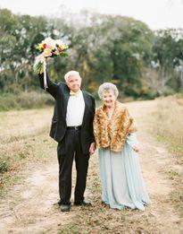 Vợ chồng chung sống 63 năm vẫn viết thư tình 'ngọt như mía lùi'