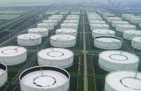 EIA: Lượng dầu lưu kho của Mỹ bất ngờ tăng