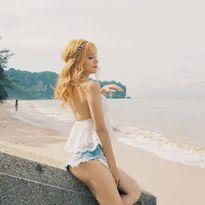 Hương Giang lộ mông nhức mắt - Diễm Trang bụng bầu 8 tháng vẫn say tập tạ