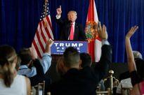 Tỷ phú Trump 'xúi giục' Nga tấn công email của đối thủ Clinton