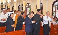 Đoàn UBTƯ MTTQ Việt Nam viếng Linh mục Phêrô Nguyễn Công Danh