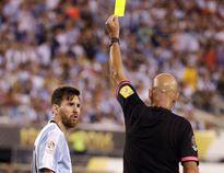 Trọng tài chung kết Copa America khen Messi có học