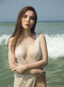 Yến Trang cô độc bán nude: Đáng thương hay đáng giận?