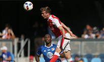 Granit Xhaka ra mắt, Arsenal đánh bại đội bóng của Kaka, Drogba, Pirlo, Villa