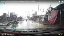 Hãi hùng lốc xoáy cuốn hàng chục mái nhà ở Bắc Ninh